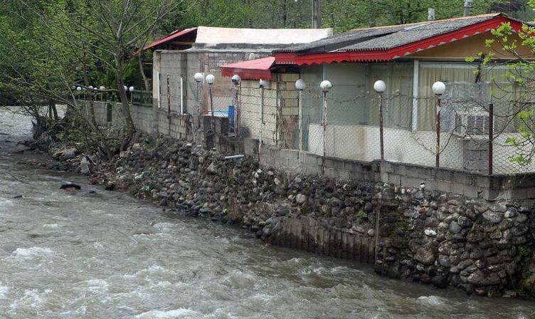 رودخانه کرج بی حریم است، منفعت طلبی به چه قیمتی؟