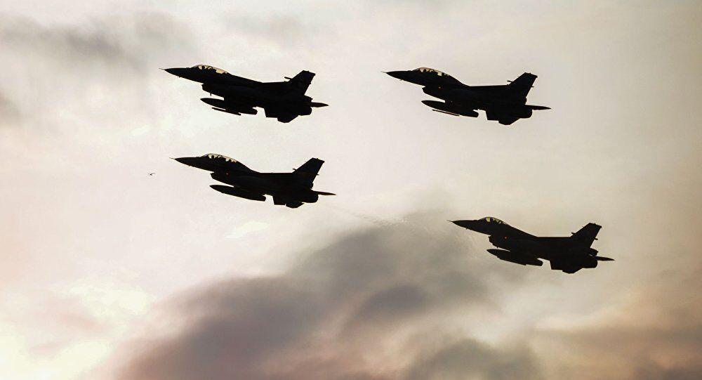 خبرنگاران پرواز هواپیماهای جنگی بر فراز آسمان بغداد